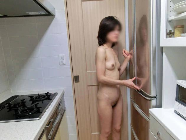 若妻おっぱい 10