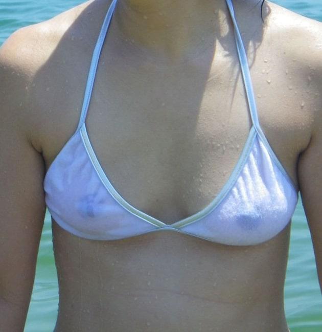 素人の透けてる白水着 14