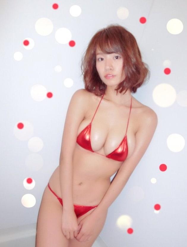 グラドルのマイクロビキニ 42 菜乃花