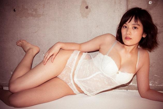 筧美和子 芸能人の下着姿 1
