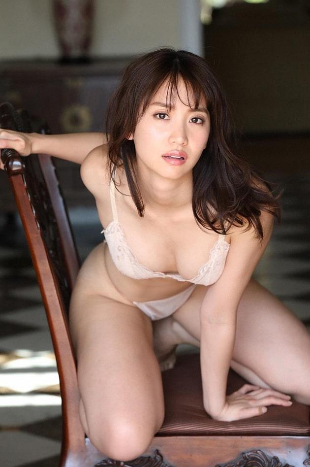 永尾まりや 芸能人の下着姿 13