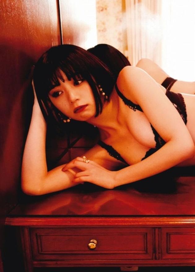 池田エライザ 芸能人の下着姿 18