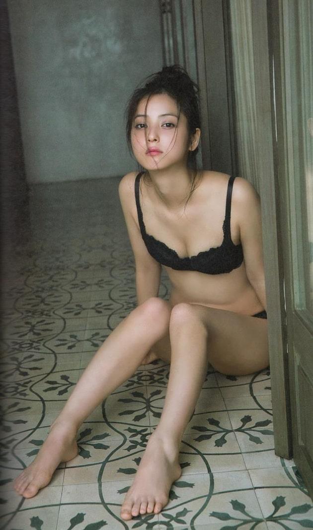 佐々木希 芸能人の下着姿 31