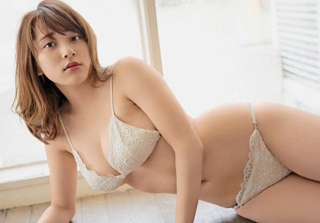 都丸紗也華 芸能人の下着姿 41
