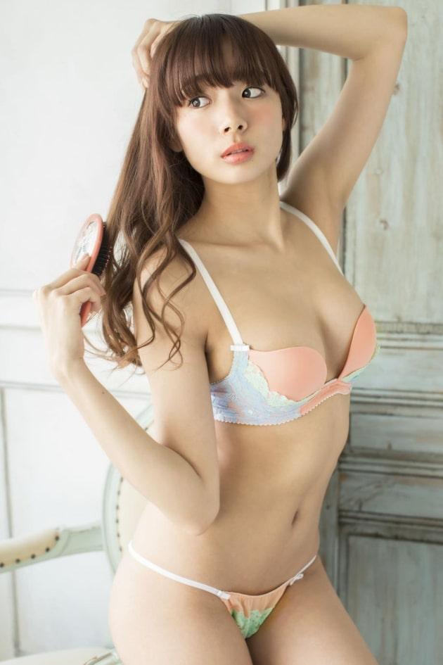 岡田紗佳 芸能人の下着姿 93