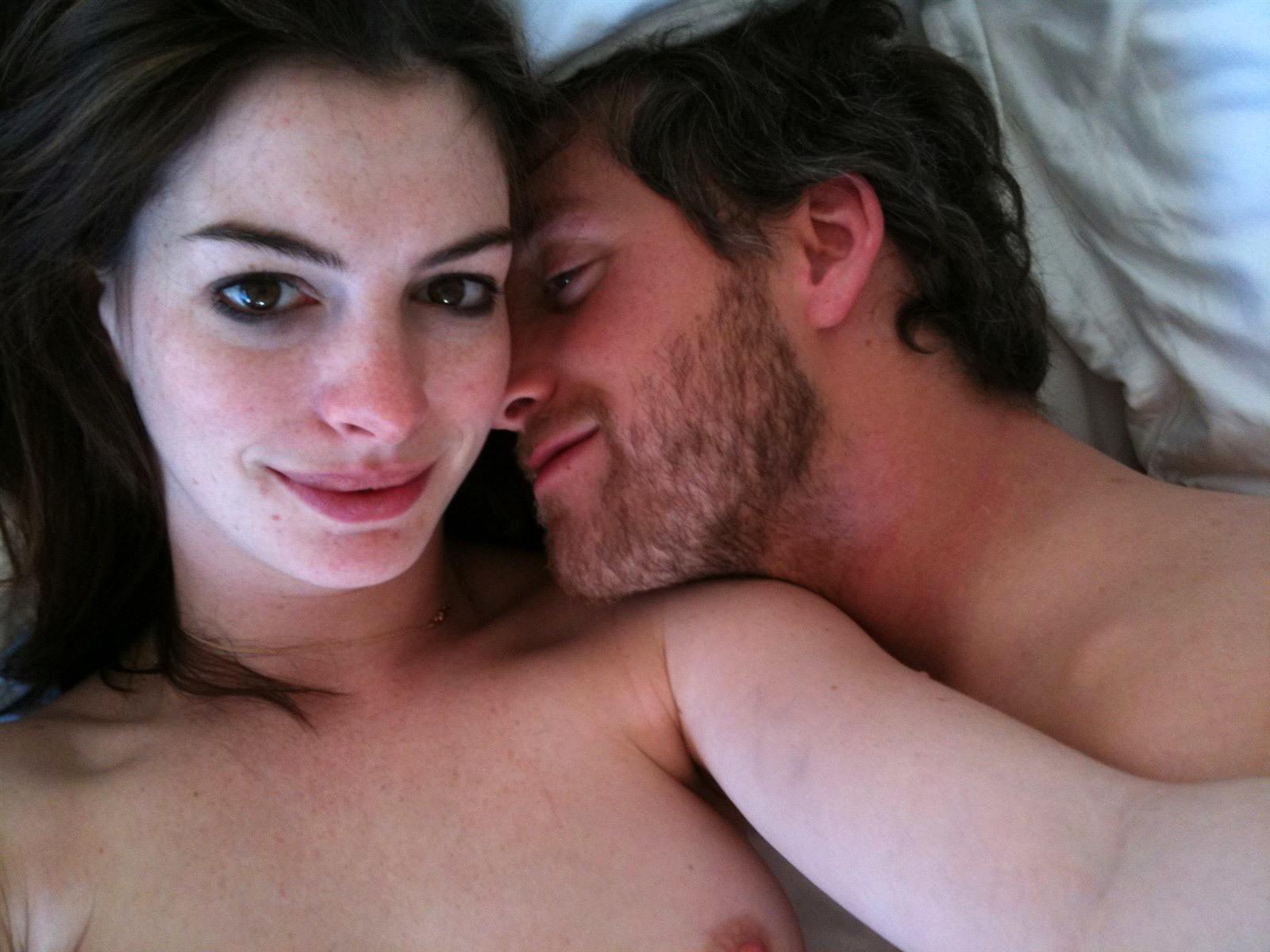 【画像】アメリカの女優さん、8割以上が乳首見せてる