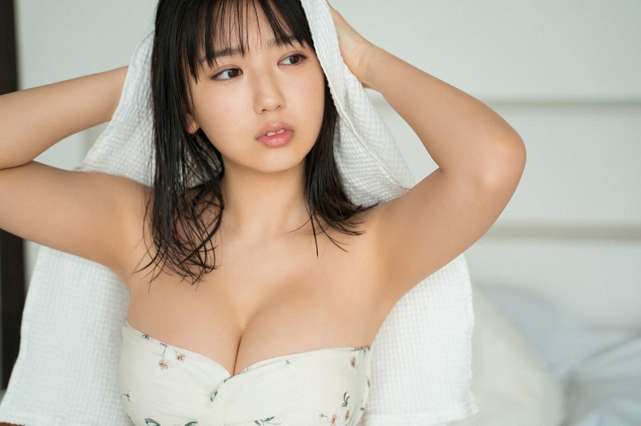 沢口愛華の胸おっぱい乳房バストたわわに実った果実