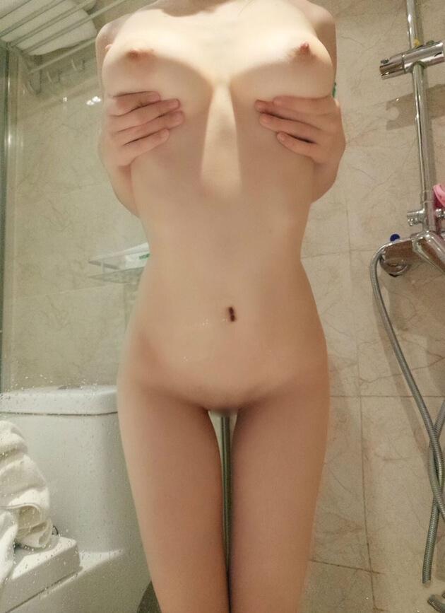 素人スレンダー巨乳 25