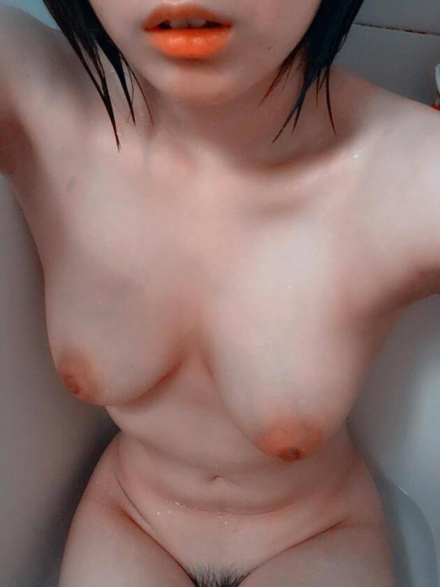 素人スレンダー巨乳 35