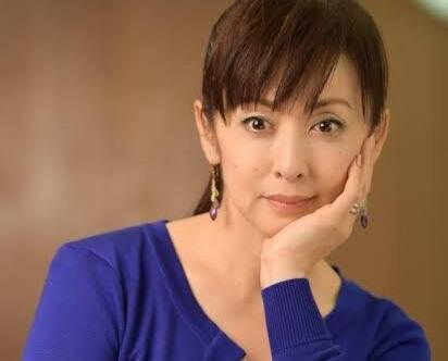【画像】斉藤由貴(53)「こんなおばさんでいいの…?」
