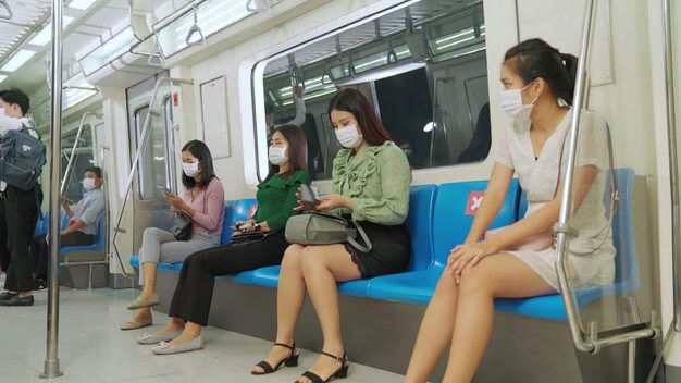 電車でドスケベザエッチセックスの女が盗撮される